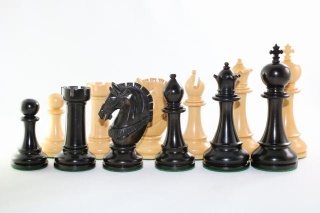 ハンドメイド高級 チェス駒セット ♪ヴェレッタ 柘植・黒檀♪  キング4.5インチ