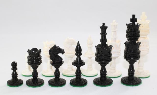 ハンドメイド高級 チェス駒セット ♪ロータス、ボーン(骨)♪  キング4インチ