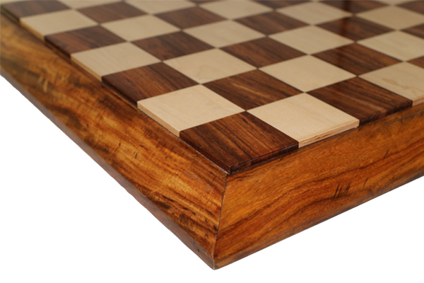 ハンドメイド高級 チェス・ボード(盤) ♪傾斜台座 紫檀・柘植♪  21インチ
