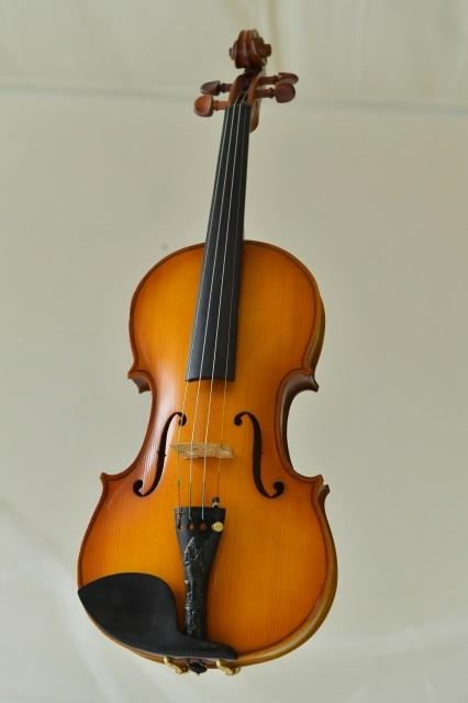 イタリア製 Pietro Perni 1982 手工バイオリン 4/4, 東京風月堂:1df190e7 --- kiiro.jp