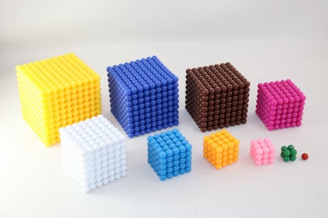 モンテッソーリ ビーズ・セット ♪キューブ、スクエア、チェーン♪ Montessori Bead Cubes, Squares, Chains 知育玩具