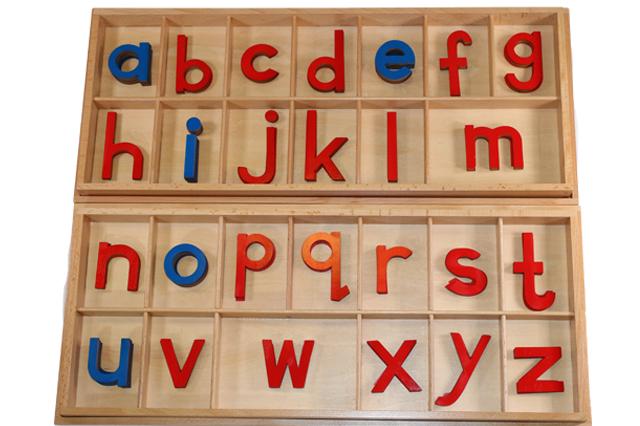 モンテッソーリ 切り抜きアルファベット 小文字 ブルー&レッド ♪大、箱付き♪ Montessori Movable Alphabet Lowercase 知育玩具