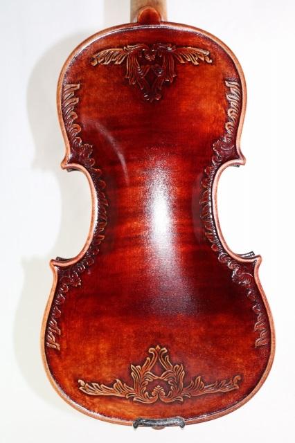メーカー再生品 弓 ケース付き 5弦バイオリン 4 白ユリの紋章 赤バイオリン オールド仕上げ ストラディバリ Lys Fleur 新生活 De