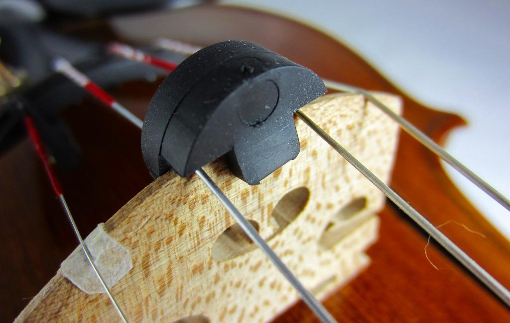 供myutotorute(Tourte)小提琴使用的圓形2個洞孔made in USA