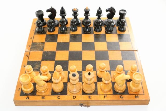 ヴィンテージ・チェス ♪ラトビア♪ 70年代ソビエト