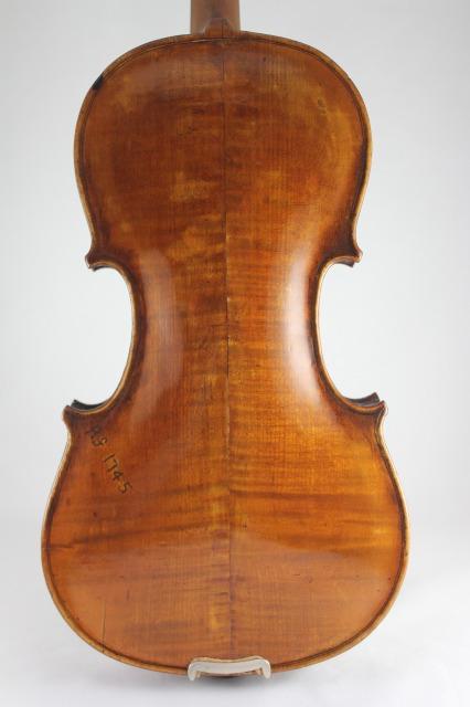 ストラディバリ・モデル、モノグラム・バイオリン!