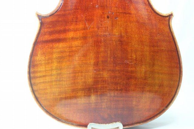 Stradivarious ストラディバリ・モデル
