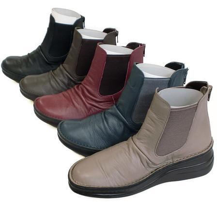脱ぎ履きもしやすいのがポイント 長く飽きのこないシンプルなシューズ In Cholje インコルジェ 足に優しい靴 本革 送料無料 サイドゴアショートブーツ アイテム勢ぞろい 靴 業界No.1 婦人靴 レディース 8438