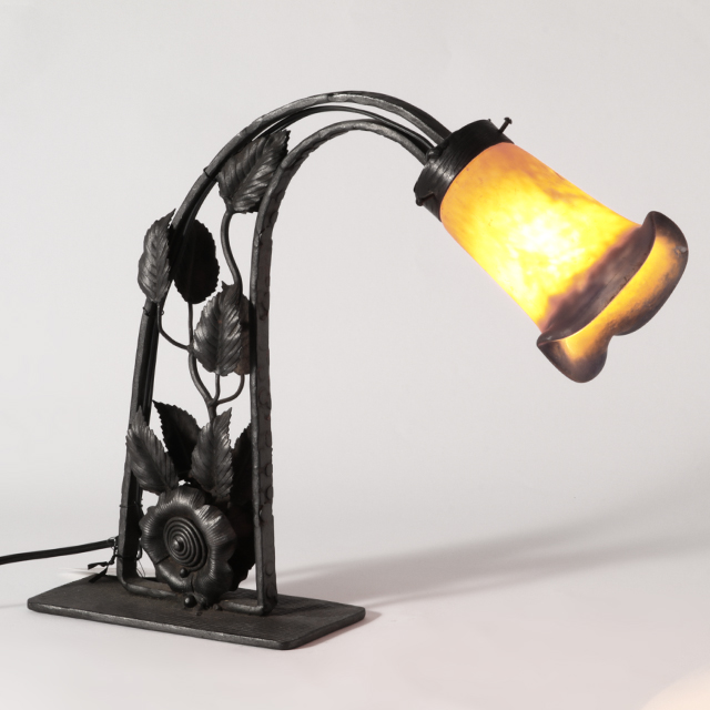 ≪フレンチアンティーク雑貨≫ テーブルランプ スタンドランプ 照明  VP119 【中古】