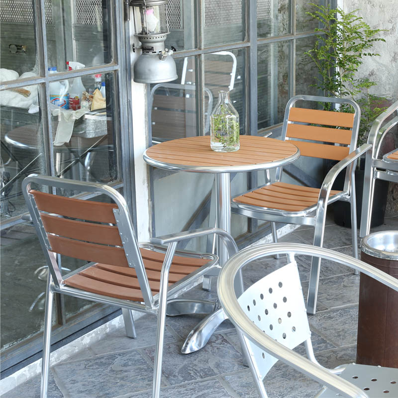 H845-1021LBR H845-1019LBR ALUMINUM CAFE TABLE ROUND 1pcs ALUMINUM CAFE CHAIR LBR 2pcs セット販売 アルミニウム カフェチェアー2台とアルミニウム カフェテーブルラウンド1台 カフェ ガーデングッズ リゾート テラス 店舗什器 リフォーム イス DULTON ダルトン