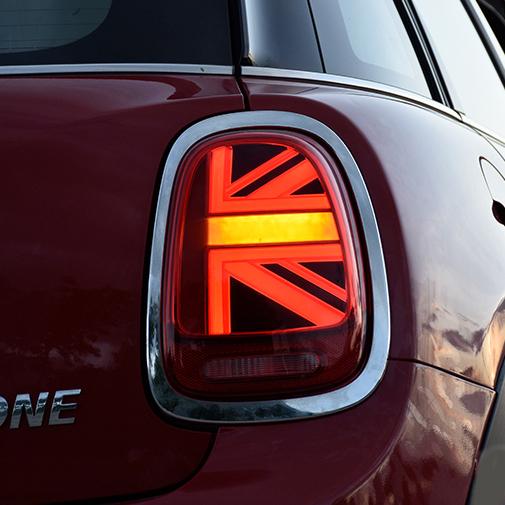 卸直営 BMWミニテールランプ テールライト F55 F56 F57 ユニオンジャックデザインテール LED電球 ブレス点灯 リアライト 前期用 流れるウインカー 後期仕様 格安店 左右2点セット レッド USEKA