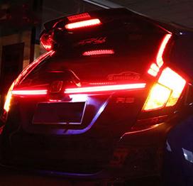 国内即発送 ホンダ フィット テールランプ FIT3 GKGP 驚きの値段 USEKA 改装 2016-2018年 警告燈リアバンバー 超輝度LED貫通式 ブレーキランプ リアライト