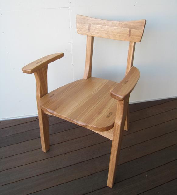 ダイニングチェア アームチェア 無垢 タモ無垢 木製チェア 肘掛け椅子 イス 1人掛け 肘掛けチェア 北欧 モダン 和モダン 和風家具 おしゃれ シンプル 送料込み 【送料無料】タモ無垢 肘付きチェア