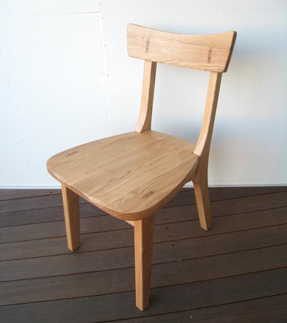 ダイニングチェア 椅子 イス 木製 無垢 タモ無垢 木製チェア 肘無し イス 1人掛け 北欧 モダン 和モダン 和風家具 おしゃれ シンプル 送料込み 【送料無料】タモ無垢 肘無しチェア