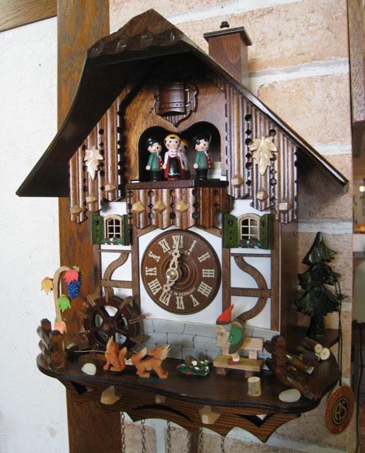 カッコー時計 鳩時計 仕掛け時計 ドイツ製 掛時計 からくり時計 ウォールクロック シュナイダー社 アンティークおしゃれ レトロ クロック 壁掛 鳩 時計 インテリア 振子時計 ぜんまい 【送料無料】《シュナイダー社正規品》ドイツ製 からくり時計
