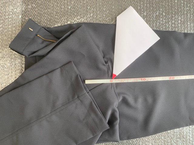 裾上げ 股下サイズ加工 作業ズボン (訳ありセール 格安) ツナギ服専門 代引き不可 タタキ仕上げ 表地に縫い目が見える仕上がり ツナギ服のみご利用いただけます 縫製の都合上±1cmの誤差があります でき上がり寸法は ズボン生地と縫い糸は同色ではありません 当店でお買い上げいただいた作業ズボン 定番 加工オプション