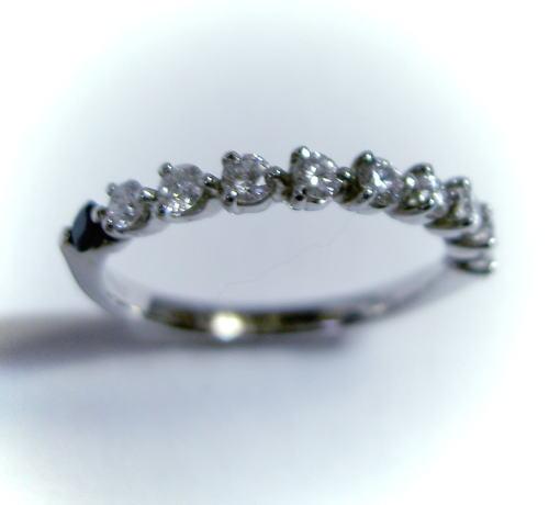 プラチナ ダイヤモンド0.37ct&サファイア ハーフエタニティ リング♪