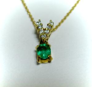 K18ゴールド エメラルド・ダイヤモンド ペンダント