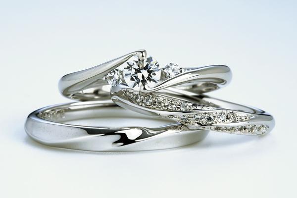 0.5ct.ダイヤモンド婚約指輪(エンゲージリング)/結婚指輪(マリッジリング)3本セットPRF024-05(ベコニア)【当店のオリジナル製品】