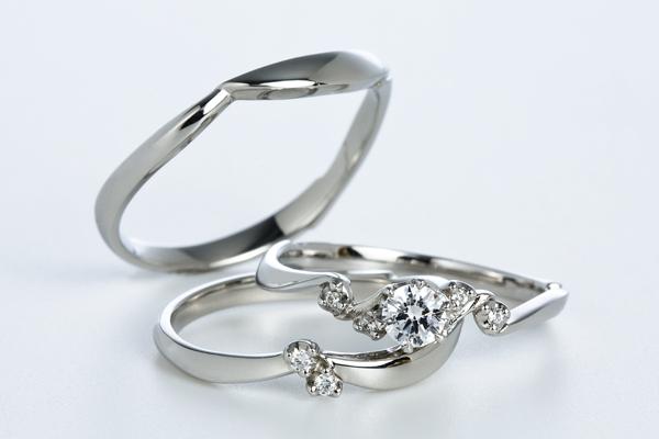 0.5ct.ダイヤモンド婚約指輪(エンゲージリング)/結婚指輪(マリッジリング)3本セットPRF017-05(ナズナ)【当店のオリジナル製品】