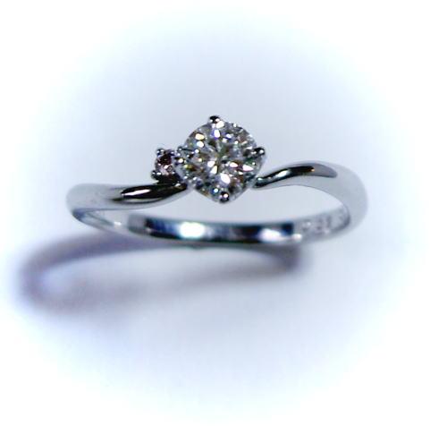 SaintePure【セントピュール】プラチナ ダイヤモンド リング(ピンクダイヤ入り)♪0.306ct H-SI2-EX