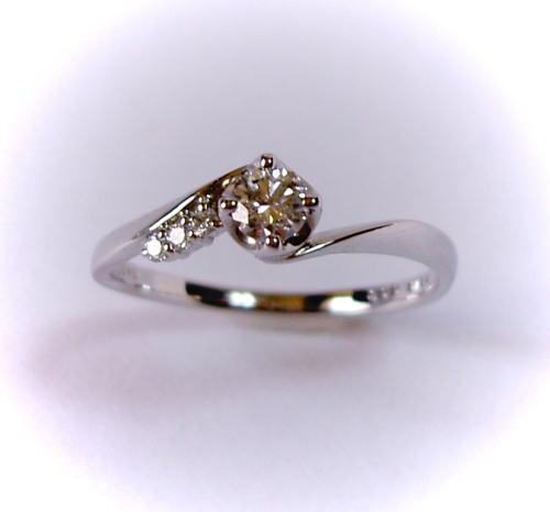プラチナ ダイヤモンド0.179ct G-SI2-VG リング♪