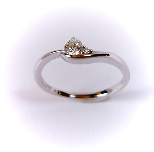 プラチナ ダイヤモンド0.193ct E-SI2-Good リング♪