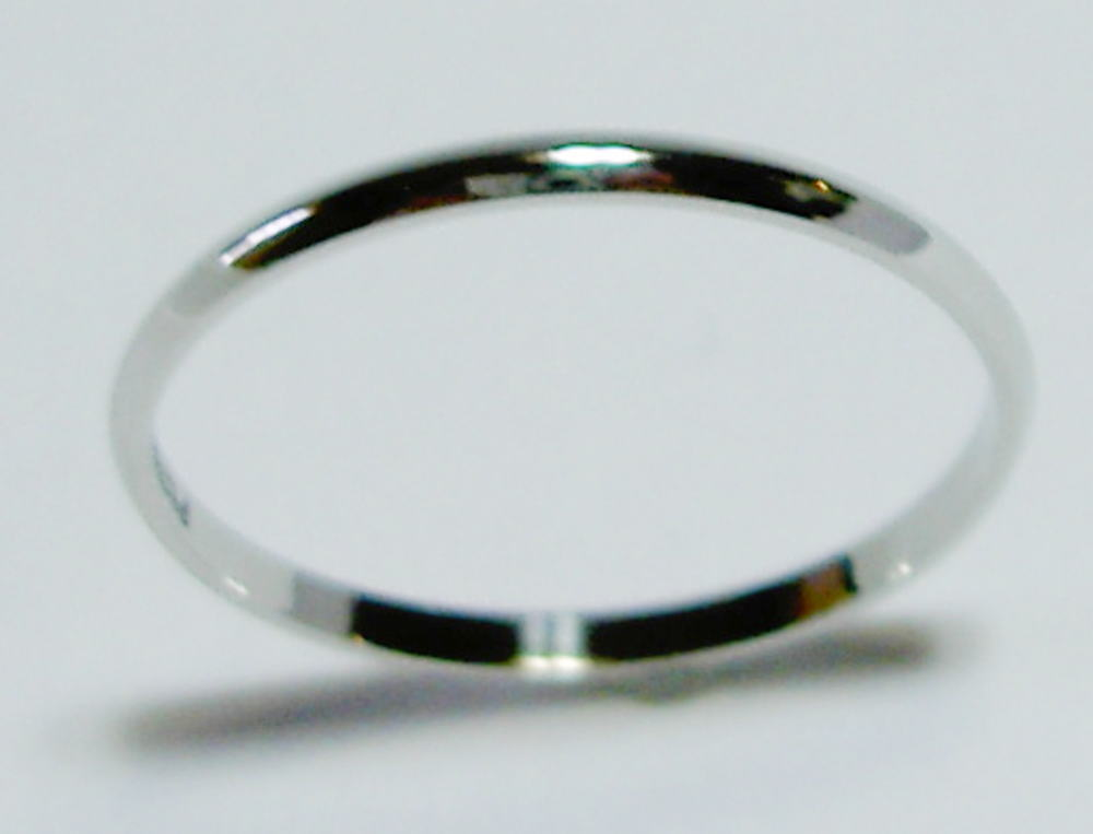 Pt900 ハードプラチナ SLIM(スリム 1.5mm幅)な結婚指輪、マリッジリング、ペアリング(1本)
