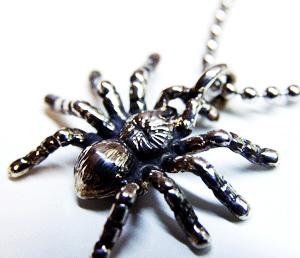 蜘蛛 タランチュラ スパイダー クモ のシルバー sv925 ネックレス ...