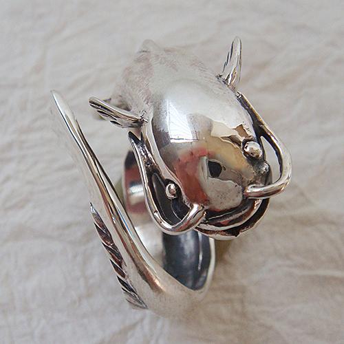 なまずリング ナマズ 鯰 動物チーフ 指輪 指環 シルバーアクセサリー SILVER925 女性 男性 プレゼント ギフト対応