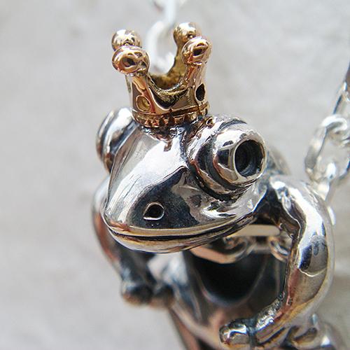 蛙の王様ペンダント'零八(カエルネックレス) かえる 動物モチーフ 18金 K18ピンクゴールド 首飾り シルバーアクセサリー SILVER925 女性 男性 プレゼント ギフト対応