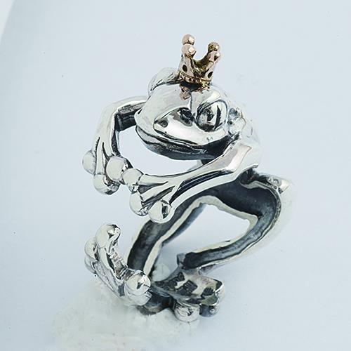 蛙の王様リング(カエルリング) かえる 王冠 シルバーアクセサリー 指輪 指環 動物モチーフ SILVER925 18金 K18ピンクゴールド 女性 男性 プレゼント ギフト対応