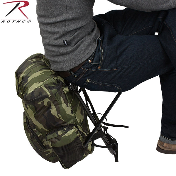 【20%OFFセール開催中】メンズ ミリタリー バッグ / ROTHCO ロスコ Backpack & Stool Combination ウッドランド迷彩 【ミリタリーバック】《WIP》 ミリタリー 男性 旅行 ギフト プレゼント
