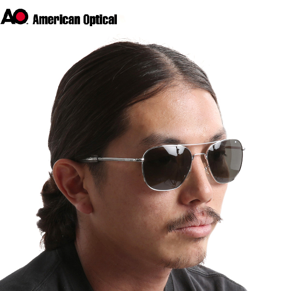 American Optical American optical pilot sunglasses 57 mm silver never  change from this eternal standard design.