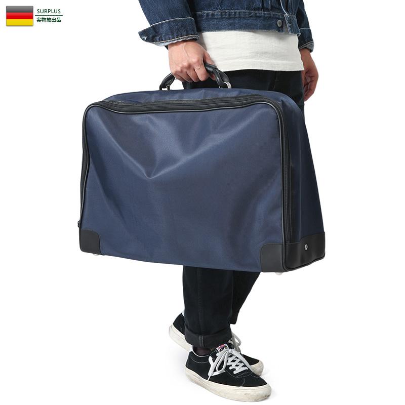 ジッパーの先端にはシルバーの金属クロージャーで開閉! 実物 USED ドイツ軍(連邦海軍)シルバークロージャー スーツケース バッグ / ミリタリー ユーロサープラス 軍物【キャッシュレス5%還元対象品】