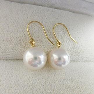 【オーロラ花珠級】AAA(210c)あこや真珠8mm-8.5mmK18かK14フックピアスホワイトピンク アメリカン本真珠6月誕生石