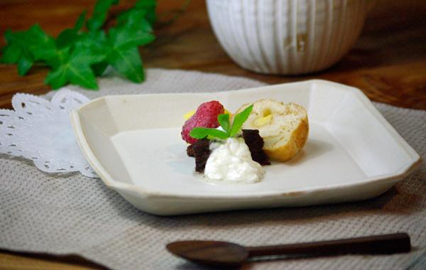 Mashiko-yaki kinari series square plates (square) type. Dessert plate or tray ... & wakasama | Rakuten Global Market: Mashiko-yaki kinari series square ...