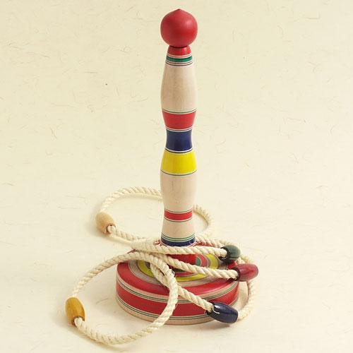 昔のおもちゃ 木地玩具: 木地玩具 輪投げ 大 ※色 高品質 即納 柄はお選びいただけません 山形県の木地玩具
