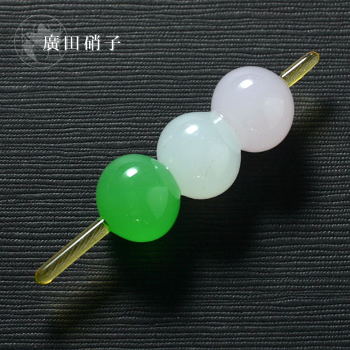 Japanese sweet chopstick rest three colors dumpling of the Hirota glass glass