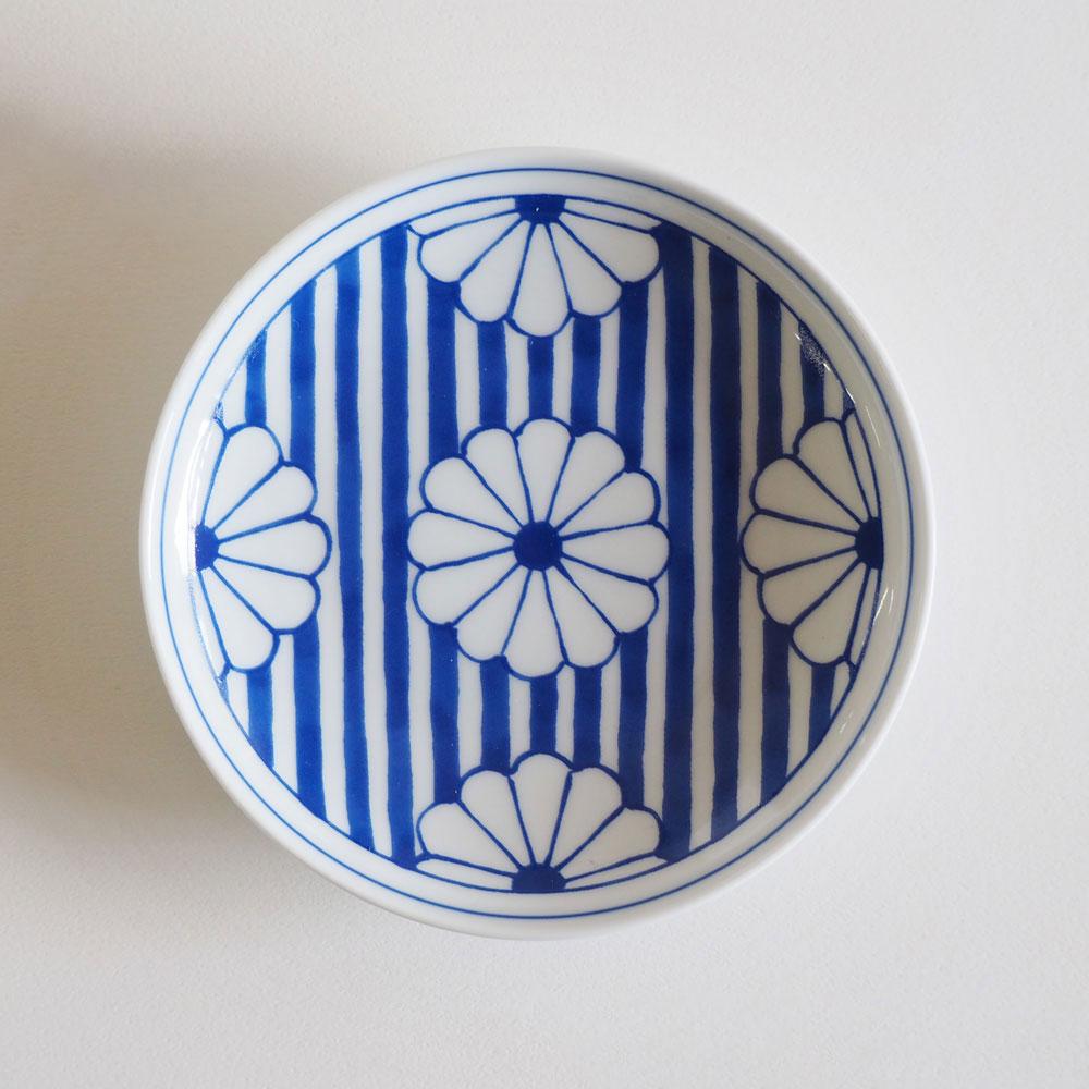 大注目 BARBAR 小皿 和文 青 菊花文 WMB09 長崎県の工芸品 Buckwheat cup 磁器 Hasamiyaki お買い得 波佐見焼