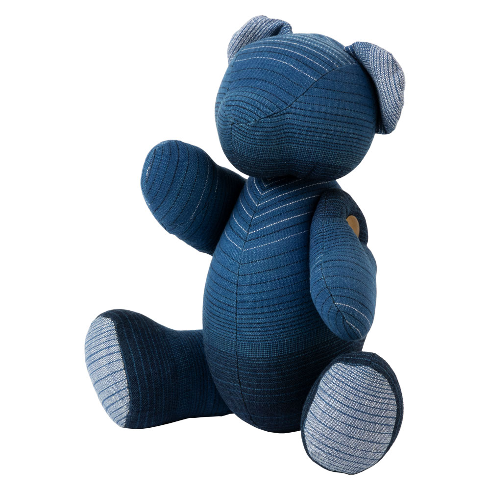 小島屋 藍染めベア・あいくま グラデーション/ブルー 武州正藍染の置物 クマの人形 テディベア 埼玉県の工芸品 Bear doll made of indigo dye fabric, Saitama craft