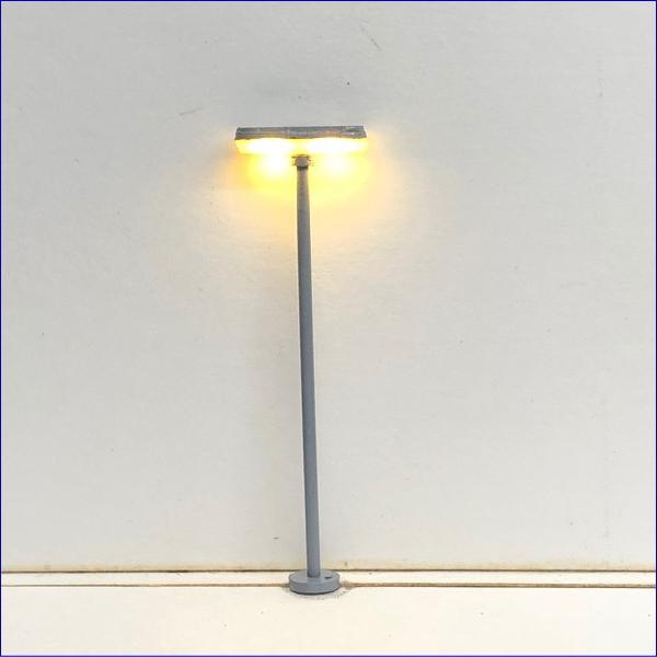 NゲージレイアウトLED街灯で夜景を楽しむ! T字型街路灯 電球色 2本セット led52