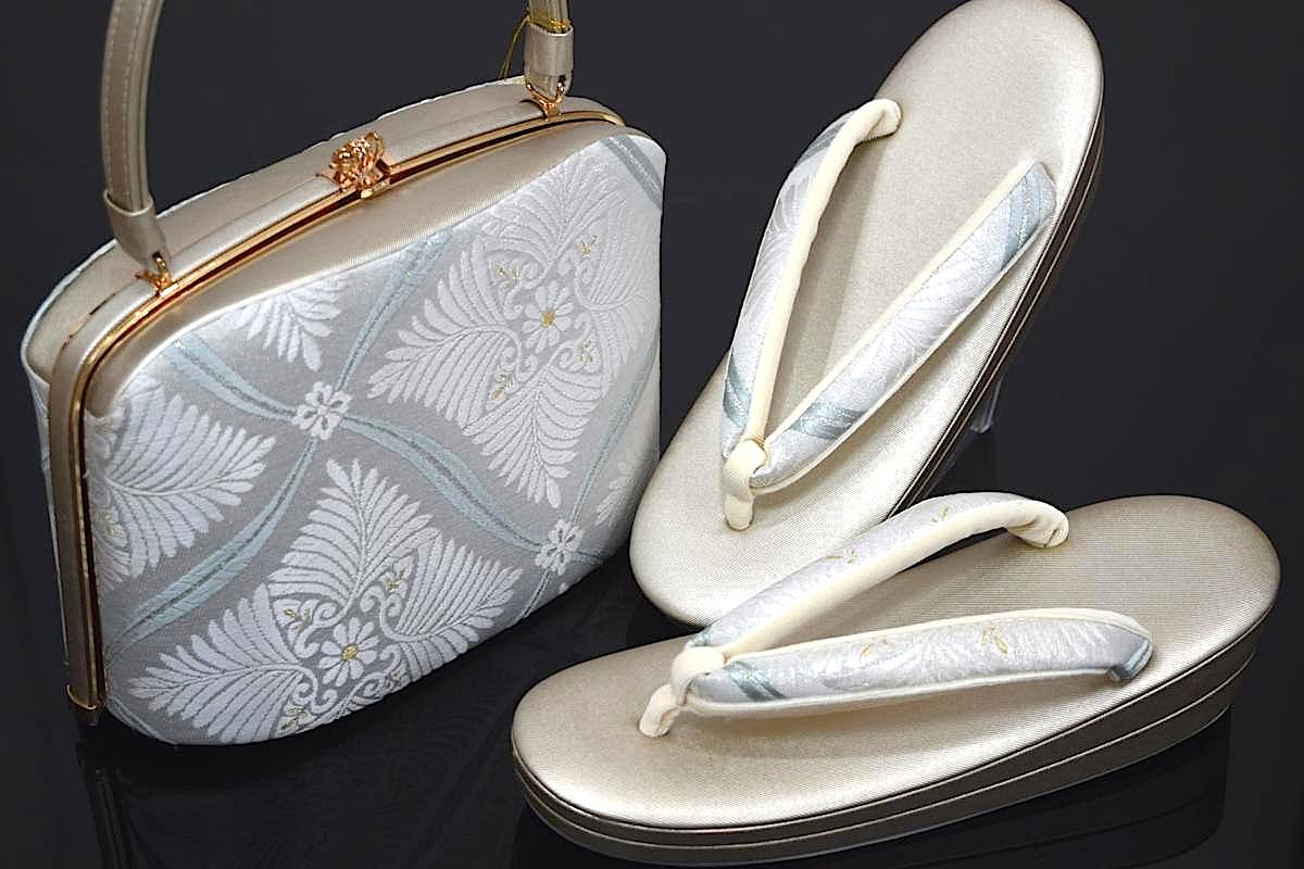 【LLサイズ】【日本製】西陣織帯地使用フォーマル用草履バッグセット「変わり菱花文様」