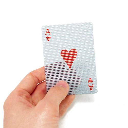 相手から見えそうで見えない不思議なトランプ カードを持つ自分の手が向こう側に透けて見え 売買 どのトランプよりもスリルが味わえます 盛り上がる パーティー アイテム メール便 新作製品、世界最高品質人気! トランプ プラスチック カード おしゃれ マイクロ WakuWaku かわいい card ドッツ transparent トランスパレント micro 透明 dots 透ける