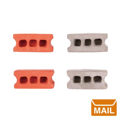 おもしろ雑貨 文房具 プレゼント おもしろ / コンクリートブロック型マグネット。4個セット。おもしろ文具 磁石 かわいい デザイン 【 メール便 】 おもしろ 文房具 マグネット 磁石 ブロック コンクリート  シンダーブロックマグネット Cinder Block Magnets set of 4 【 KIKKERLAND / キッカーランド 】 / WakuWaku