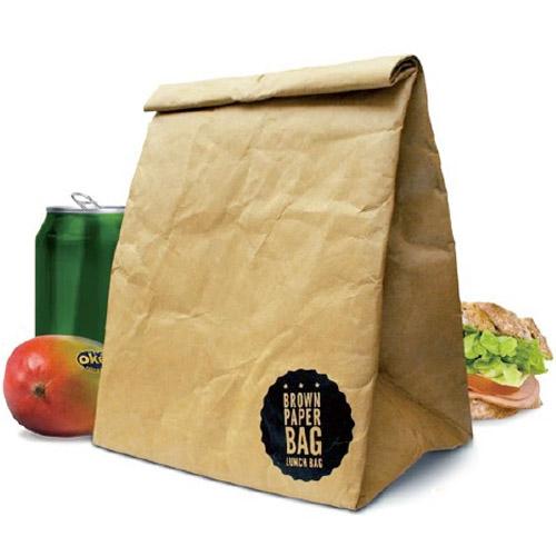 ただの紙袋に見えますが 実は水に強くてとても丈夫なバッグ 上部は磁石でしっかりと閉まり 内部にはアルミ保冷 保温シートが貼ってあるのでランチバッグなどに メール便 キッチン 収納 2020 新作 ランチバック ランチバッグ ポーチ 紙袋 ブラウン bag デザイン 限定価格セール brown WakuWaku ラッキーズ ペーパーバッグ paper Luckies バッグ ペーパー