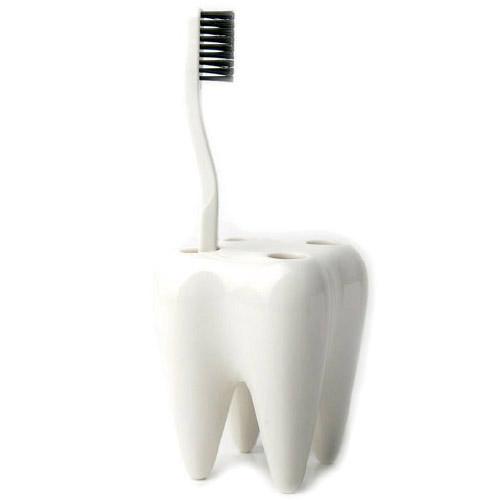 出荷 歯をキレイに磨きたくなるような歯ブラシホルダー そこの部分には小さな穴が開いていますので水切りも可能 ブラシ立て ホルダー 入れ おしゃれ プレゼント 歯ブラシスタンド 陶器 お中元 ホワイト Brush プロパガンダ Tooth 歯 WakuWaku Holder PROPAGANDA 歯ブラシホルダー ハブラシ トゥースブラシホルダー