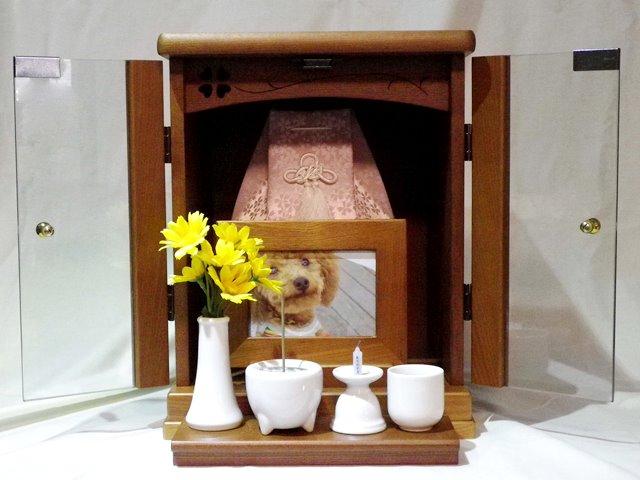 ペット仏壇骨壷を納められるガラス扉で色も選べる仏壇レギュラーサイズ四つ葉【送料無料】仏壇 かわいい