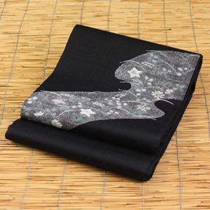正絹すくい袋帯「黒地に花」お仕立て代サービスです。