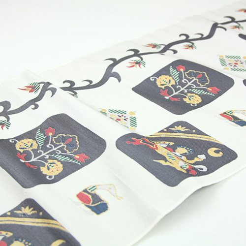 "A west camp pure silk fabrics fashion industrial arts zone ""Chinese style music accompaniment"" made in Japan"
